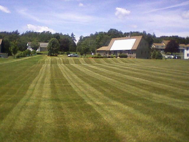 Pelham NH Commercial Lawn Care, Mowing, Edging, Trimming, Pruning